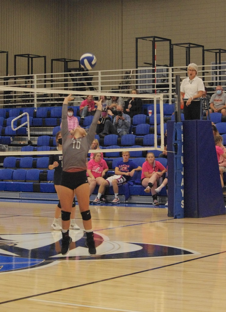 Bri Stokes with a set