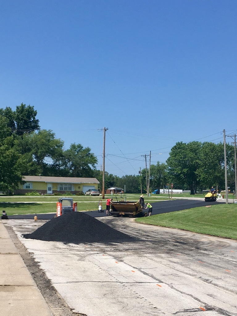 The 2.5 asphalt overlay project began this morning in the WBE drive.