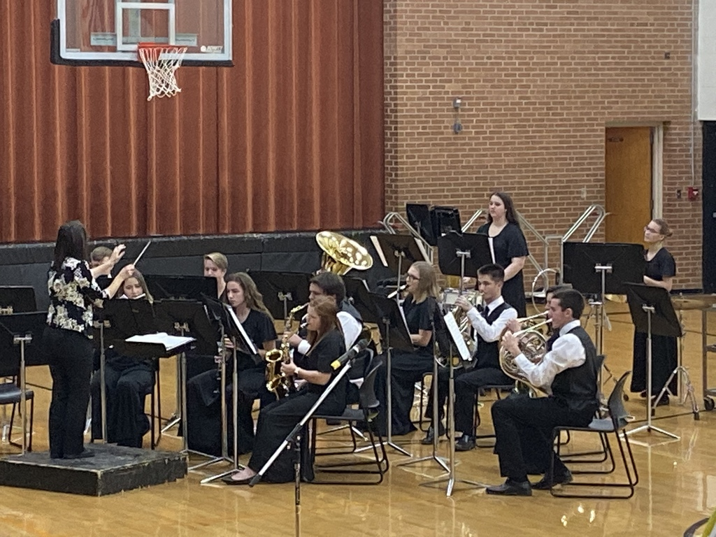 HS Band performing